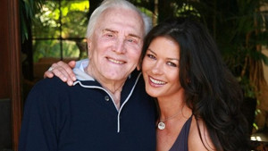 Kirk Douglas a Catherine Zeta-Jones